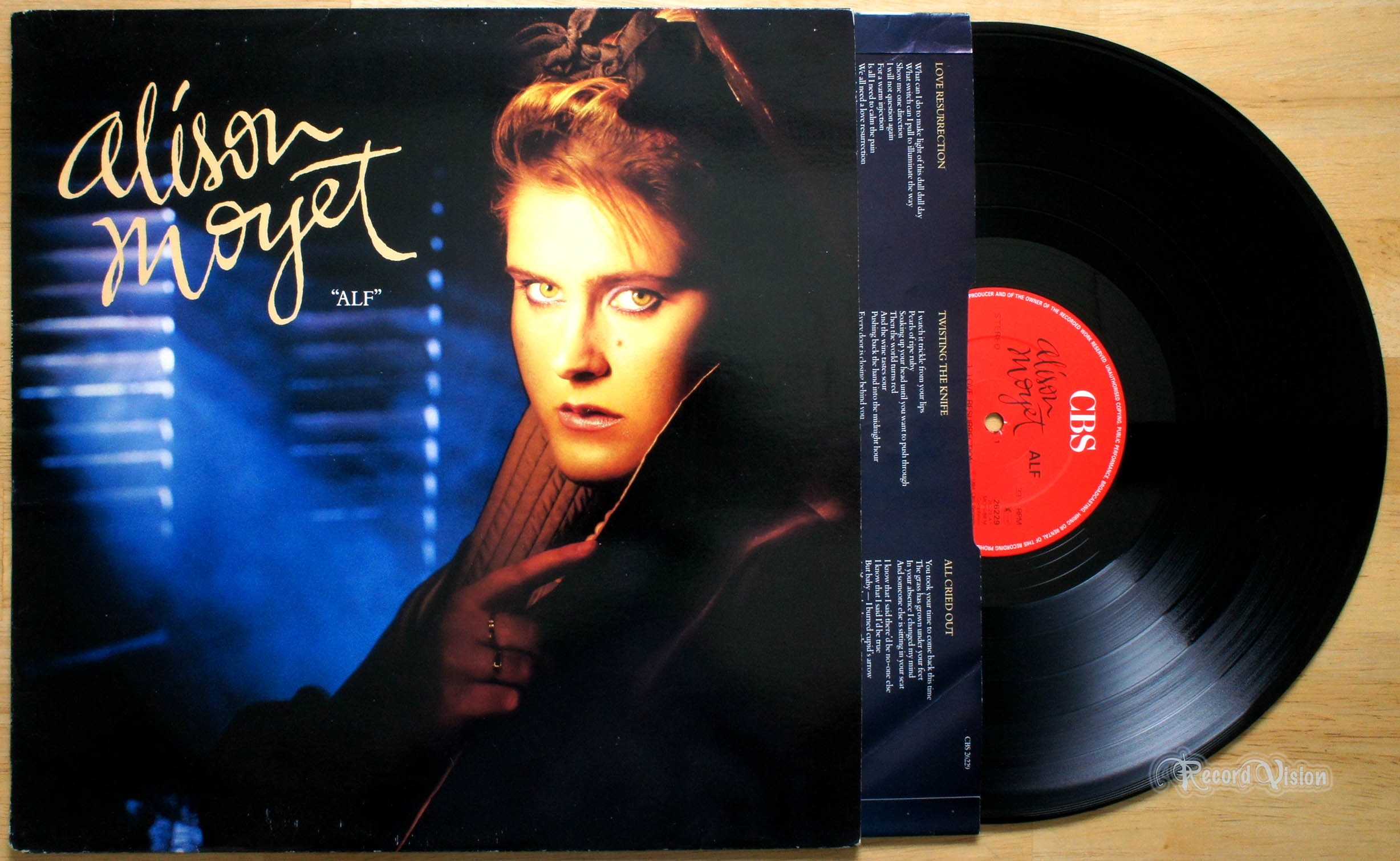 alison moyet love resurrection